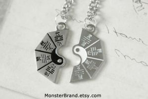 Yin and Yang Best Friend Necklaces by MonsterBrandCrafts