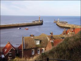 Whitby Piers by Hippopottermiss