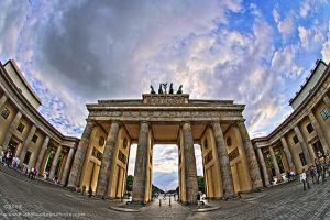 Brandenburg Gate by inshaala