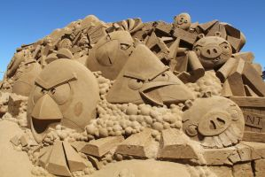 Angry Birds Sculpture - Purely from Sand! by Aidan98