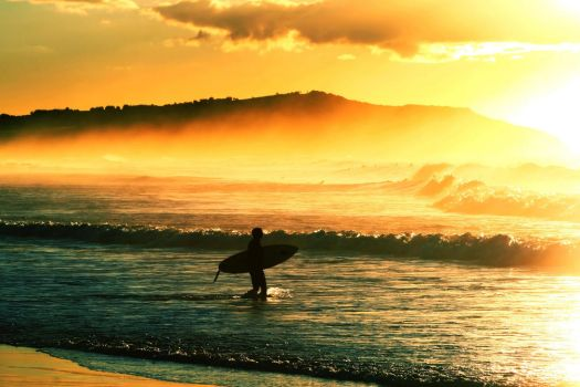 Sunrise surf. by incredi