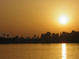 Sunset over the Nile 3 by thetamar
