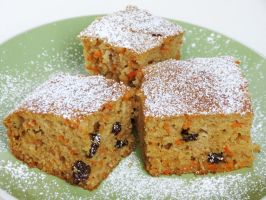Carrot Raisin Cake by Kitteh-Pawz