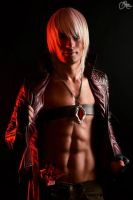 See the War, See me Rule - Dante Cosplay DMC 3 by LeonChiroCosplayArt