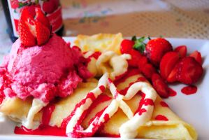 Strawberry Crepe by itachi349