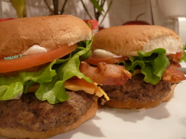 home made burgers by cerulean88