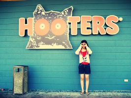 hooters by alyssaliana