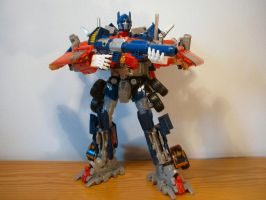 Optimus Prime ready to roll by NouNickName