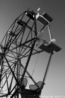 Black And White Ferris Wheel by Thy-Fox