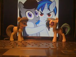 Octavia and Vinyl Scratch by Hashbro by 8feet