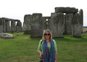 stonehenge at Salisburry UK by crayonmaniac