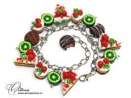 Bracelet with kiwi by OrionaJewelry
