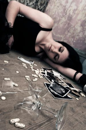 Too much  too late by NarcissisticDolly - YiNe ,, YeniDen avataRLaR . . .