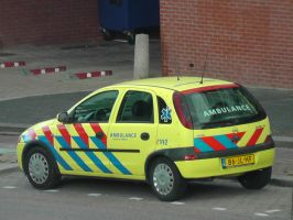 12-09-28 Ambulance by Herdervriend