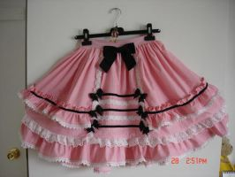 Sweet-goth Lolita skirt by Oniwitch