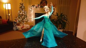 Elsa Papercraft by djl91