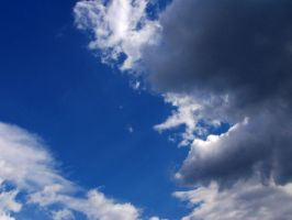 Clouds -- 4 by Korpsus