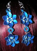 Blue Chainmail flowers by kinyo-spoons