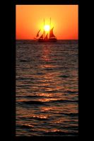 Sailing by the Sun by greenie