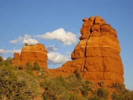 Bottom of Bear Mt. Sedona by ogwynne