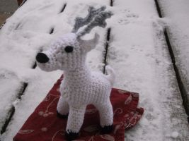 Crochet White Deer by ShadowOrder7