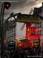 Moulin Rouge by Johnmckenna