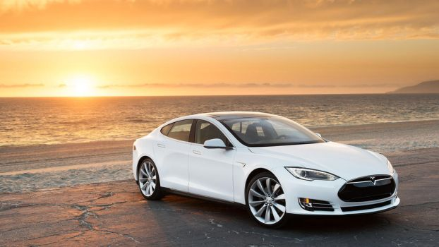 2013 Tesla Model S by ThexRealxBanks