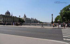 Over Pont Notre-Dame by EUtouring