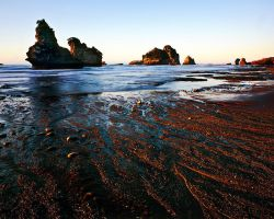 Motukiekie Rocks by saxtim