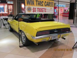 nice car i saw in the mall pic 2 by catsvsfox