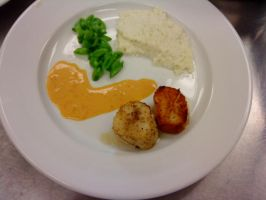 Scallops with pilaf, green beans and a sauce by PrincesaNamine
