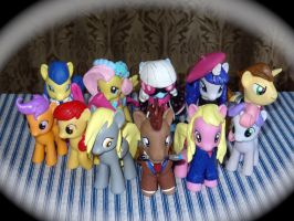 The Doctor and ALL his Pony companions by HeyLookASign