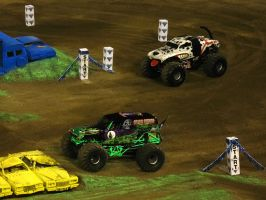 Monster Mutt vs. Grave Digger by FlyingToaster108