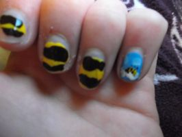 Bumble bee nails by spot1the2dog3