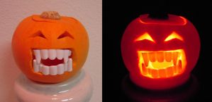 Happy Vampire Pumpkin is Happy by Llyzabeth