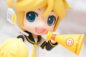 Cheerful Len by Etherien