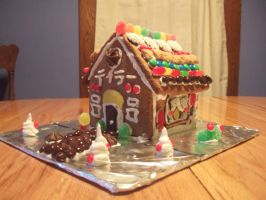 Gingerbread house: Front by taylor-of-the-phunk