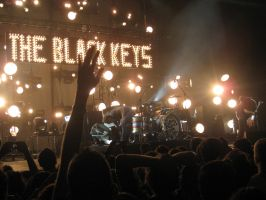 The Black Keys in Dublin's O2 by SilentSib