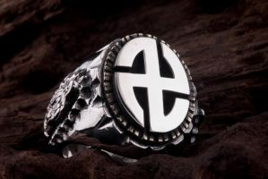 swastika silver ring by kingkroach