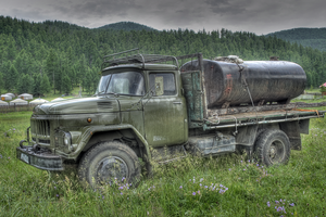 Old russian truck HDR by djorll