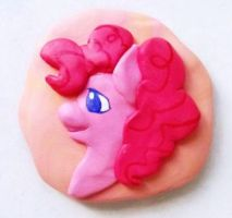 Pinkie Pie portrait sculpted magnet by the2ndO