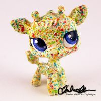 Pebbles the giraffe custom LPS by thatg33kgirl