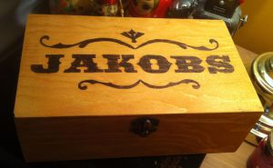 Deluxe 'Bordelands Jakobs' Box by Miss-Interocitor