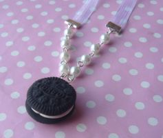 Oreo Pearl Ribbon Necklace by citruscouture