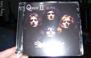 Queen II :D by Mary-Aisha