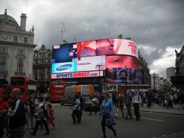 Piccadilly Circus by betterwatchit