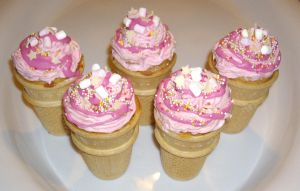 Ice Cream Cone Cakes - pink by Shadowoftheredrose