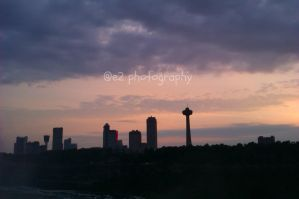 Skyline next to Niagara Falls by xe2x