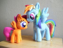 Rainbow Dash and Scootaloo Plushies by Pinkamoone