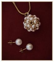 Pearl and Gold Ball Cluster Pendant with Studs. by Sarahorsomeone